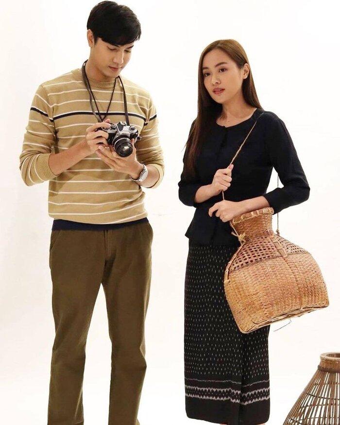 Cặp đôi Oom Eisaya và Mai Warit tái hợp trong phim làm lại 'Hồn ma sông Mekong' 12