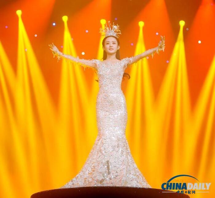 'Kim Ưng 2020' công bố Top 6 'Nam/nữ diễn viên được yêu thích nhất': Vương Nhất Bác - Triệu Lệ Dĩnh áp đảo số phiếu Dịch Dương Thiên Tỉ - Đàm Tùng Vận! 2