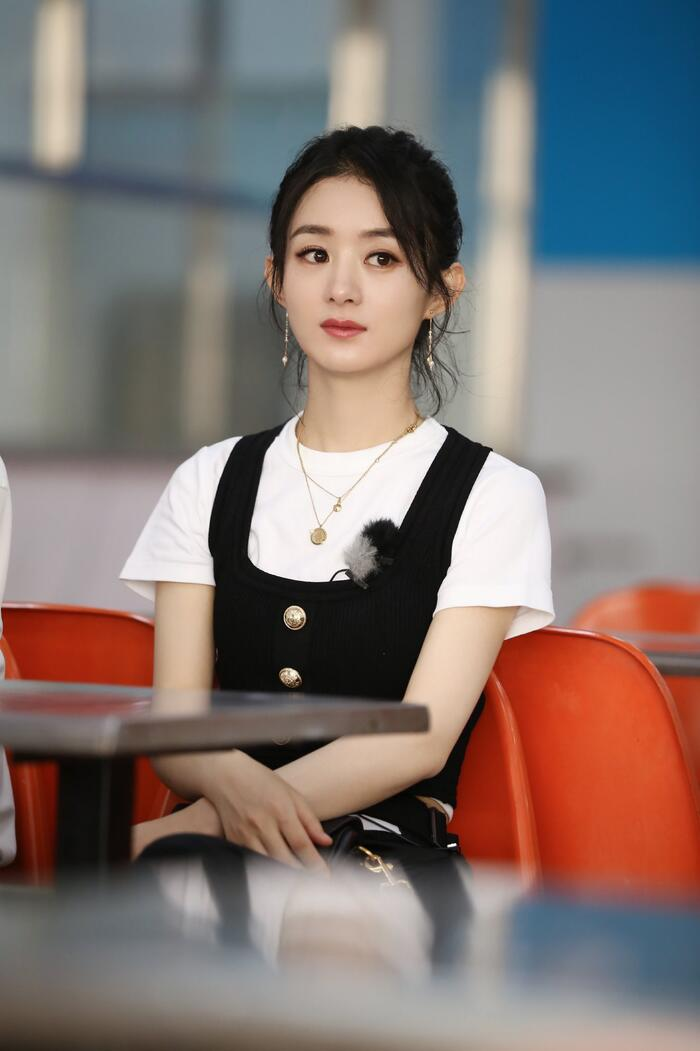 'Kim Ưng 2020' công bố Top 6 'Nam/nữ diễn viên được yêu thích nhất': Vương Nhất Bác - Triệu Lệ Dĩnh áp đảo số phiếu Dịch Dương Thiên Tỉ - Đàm Tùng Vận! 4