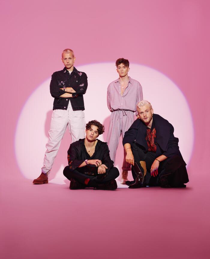 The Vamps trở lại với album 'Cherry Blossom' sau một năm vắng bóng 3