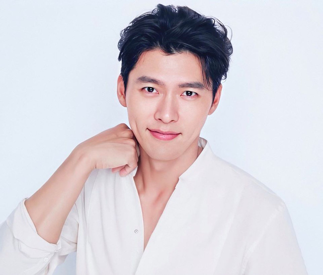 Hyun Bin lội ngược dòng và được nhiều người hy vọng sẽ giành giải Nam diễn viên được yêu thích nhất tại AAA 2020.