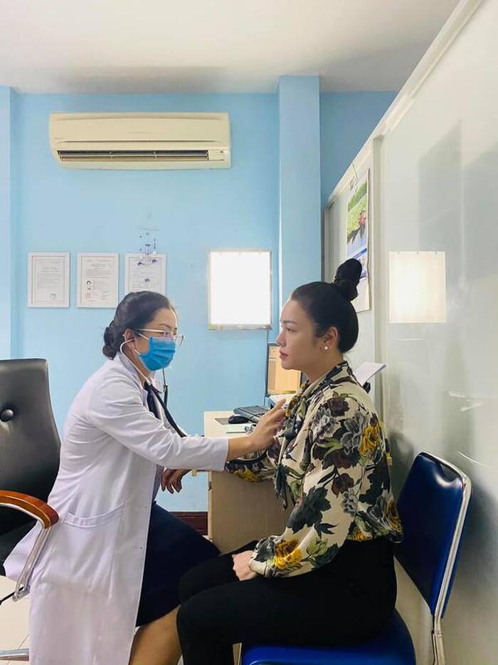 Hậu phẫu thuật thanh quản, Nhật Kim Anh vui vẻ trở lại phim mới 3