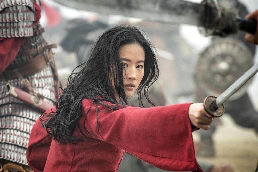 Lưu Diệc Phi gây tranh cãi vì diễn xuất kém cỏi trong Hoa Mộc Lan.