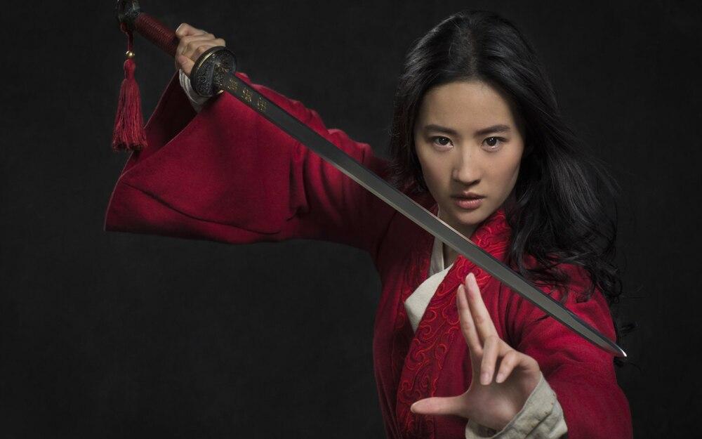 Bị chỉ trích diễn xuất trong 'Hoa Mộc Lan', Lưu Diệc Phi được đạo diễn Trương Kỷ Trung lên tiếng bảo vệ 0