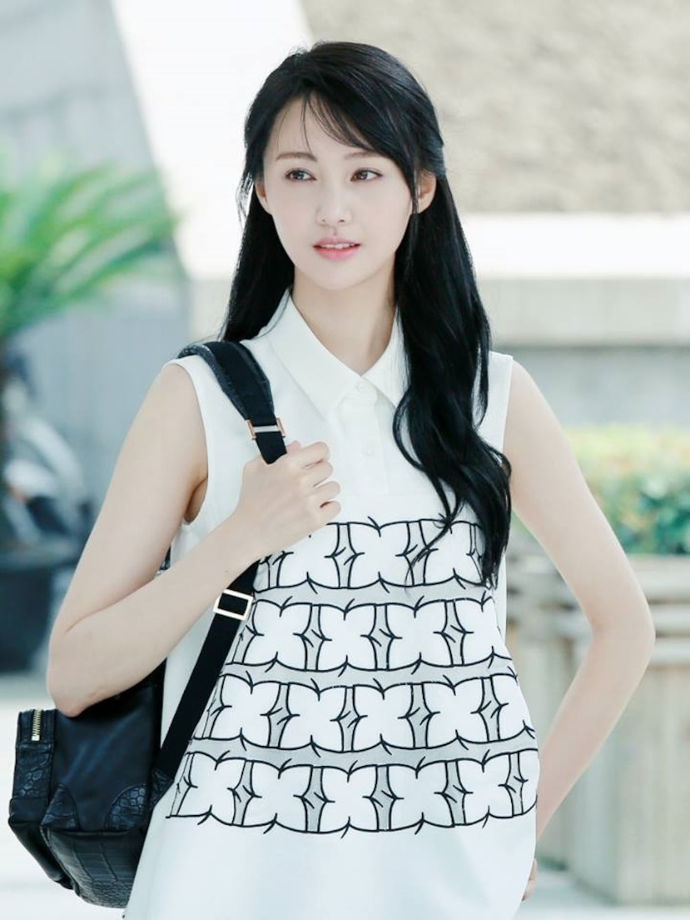 Dựa vào bộ phim Yêu em từ cái nhìn đầu tiên, Trịnh Sảng được bình chọn trong danh sách tứ tiểu hoa đán thế hệ 9X.