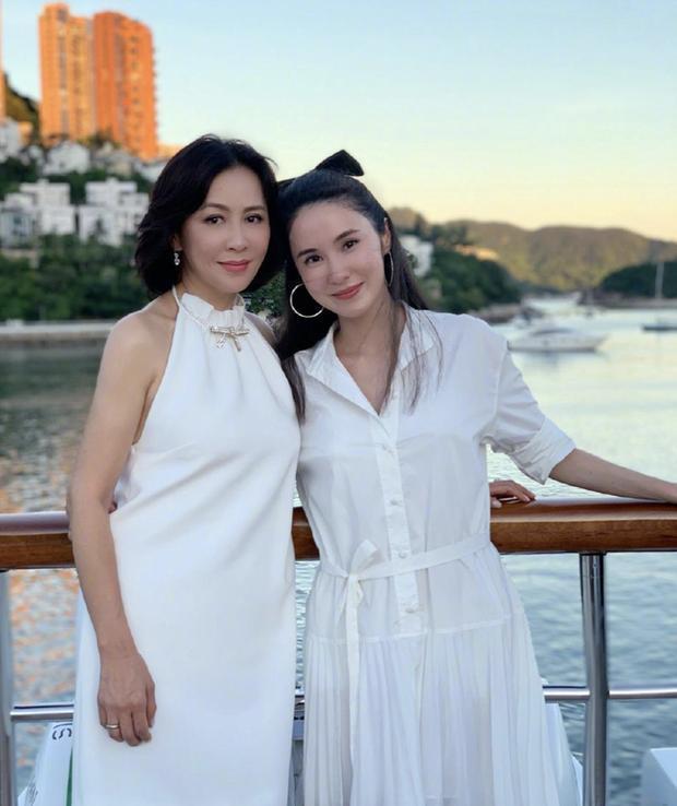 Cần Cần có mối quan hệ thân thiết với diễn viên Lưu Gia Linh.