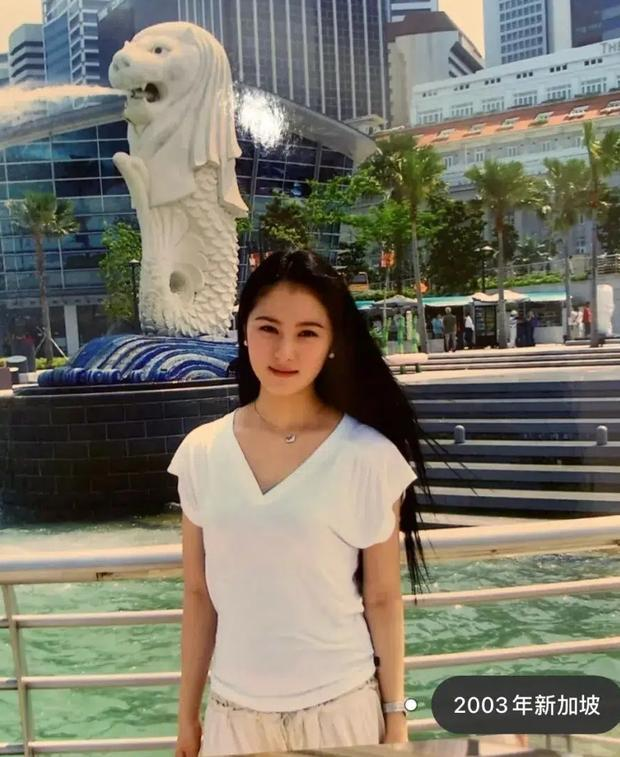 Mổ xẻ profile 'khủng' của quý cô 'chanh sả' được giới trẻ Trung Quốc ngưỡng mộ: Cuộc sống nhung lụa và danh tính người đàn ông thần bí đứng sau 5