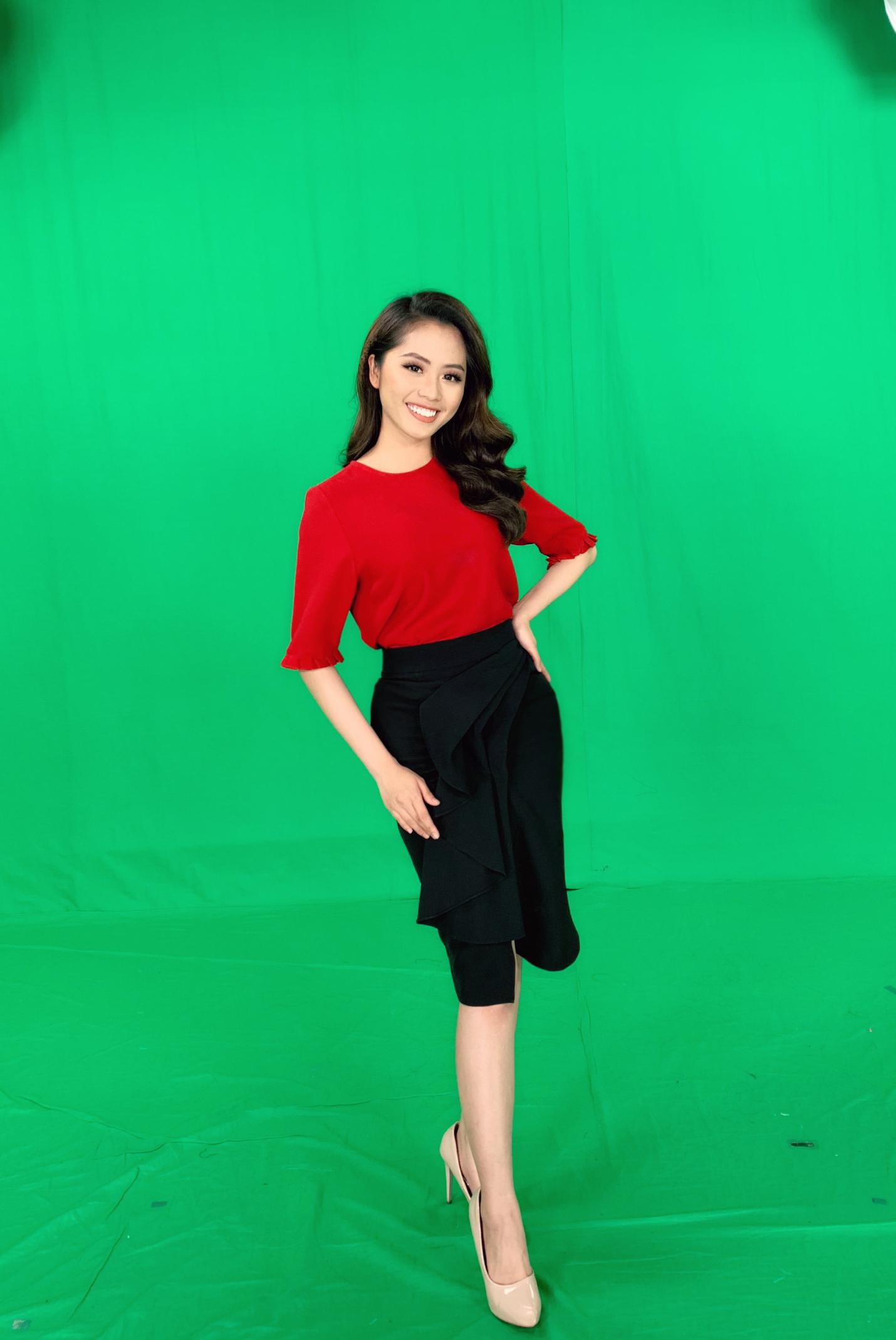 Nữ MC truyền hình 22 tuổi thi HHVN 2020: 'Các bạn đua theo xu hướng Kpop hay Âu Mỹ, mình chỉ chuộng style đơn giản chuẩn chỉnh tác phong nhà đài' 7