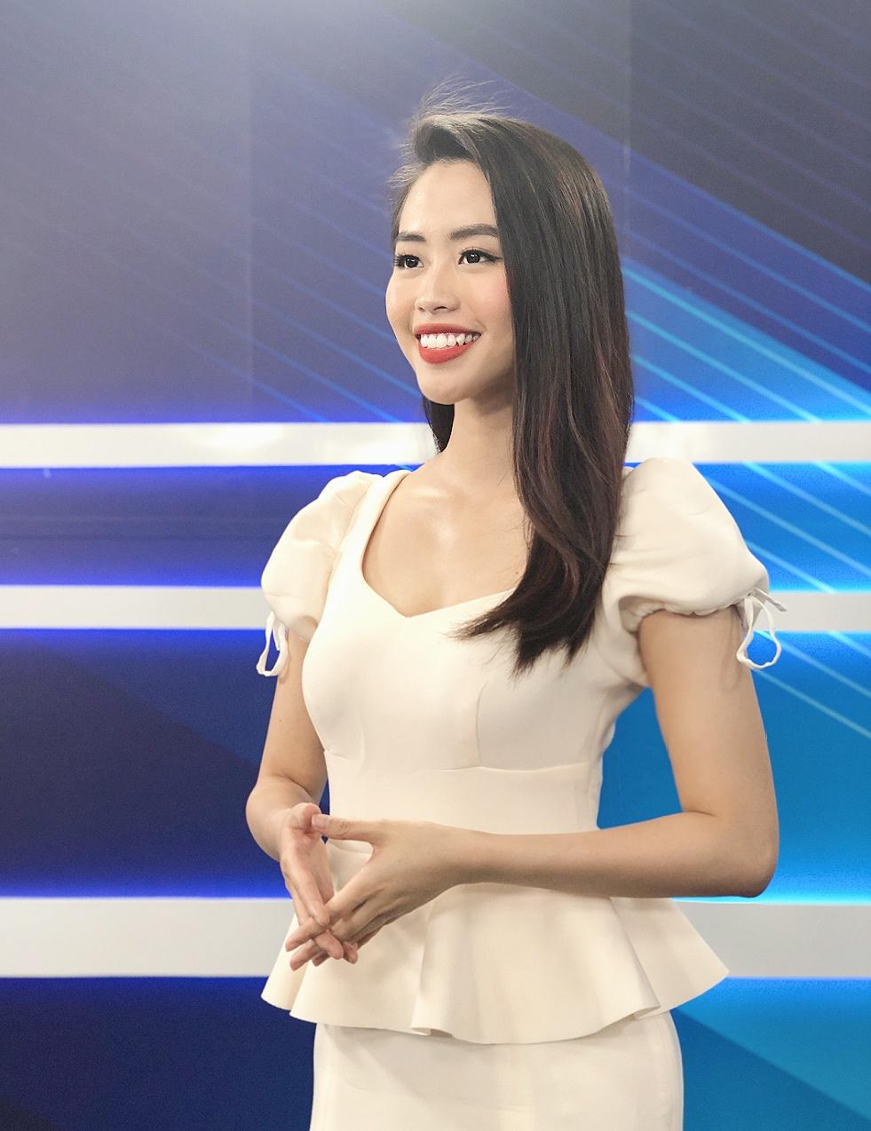 Nữ MC truyền hình 22 tuổi thi HHVN 2020: 'Các bạn đua theo xu hướng Kpop hay Âu Mỹ, mình chỉ chuộng style đơn giản chuẩn chỉnh tác phong nhà đài' 10