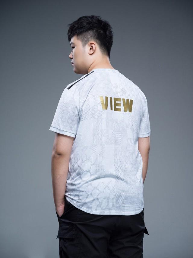 Suning tung bộ ảnh ra mắt áo đấu chính thức cho CKTG 2020, dân mạng Trung Quốc bình luận: 'Ông SofM lại cưa sừng làm nghé à?' 9