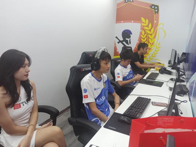 Cặp đôi đến từ Thái Bình đã bất ngờ với lối chơi nhanh của Yugi và HeHe