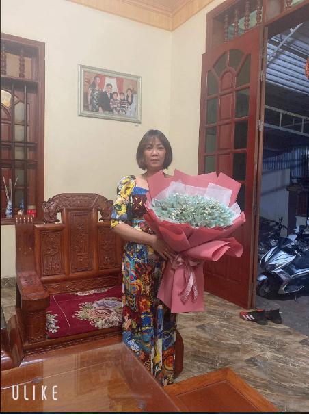 ADC tặng mẹ bó hoa đặc biệt mừng 20/10.