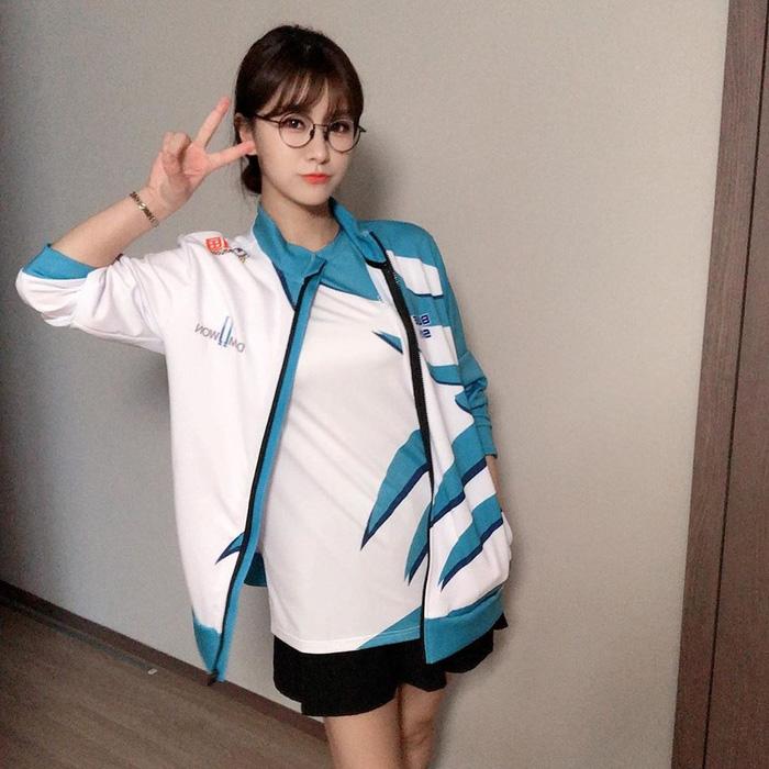 MC Kim Su-Hyeon, fan cuồng DAMWON