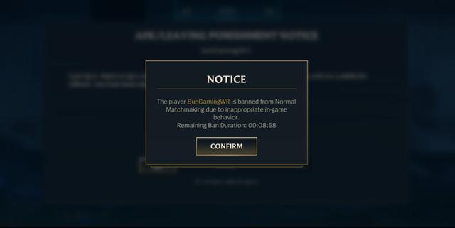 Game thủ nickname SunGamingWR bị cấm 10 phút chỉ sau vài phút lơ đễnh không điều khiển tướng.