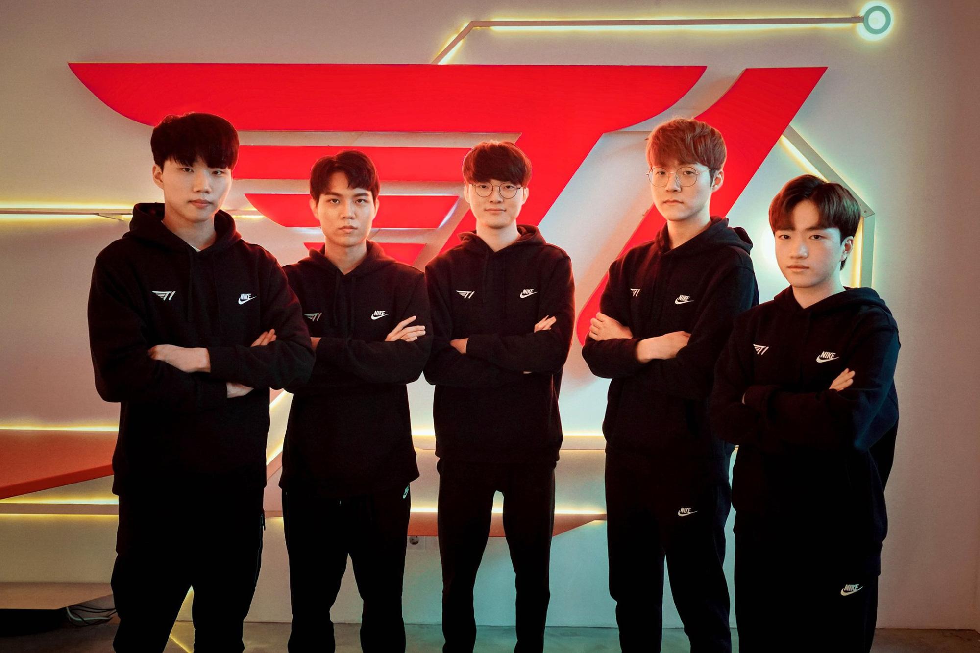 Đội hình T1.