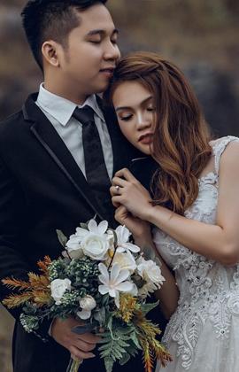 Chuyện tình đẹp ngỡ ngàng của cặp đôi Việt kiều dành trọn thanh xuân để yêu một người