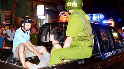 Kẻ đâm cô gái cướp balô trong đêm ở Sài Gòn bị bắt tại trận khi chưa kịp bỏ chạy