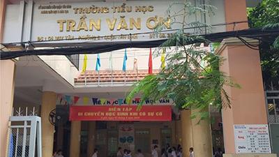 TPHCM: Cô giáo bắt học sinh tự tát 32 cái vào mặt mình vì nói chuyện riêng!