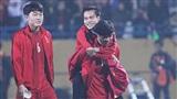Văn Toàn sang Philippines đá bán kết AFF Cup trên chuyến bay đặc biệt