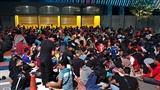 Hàng nghìn CĐV Malaysia thức trắng đêm xếp hàng chờ mua vé trận chung kết lượt đi AFF Cup
