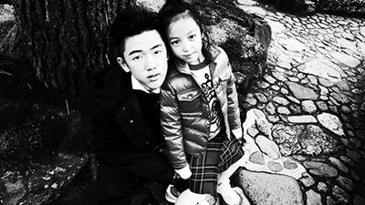 Con trai riêng của chồng Triệu Vy lộ diện, chỉ chia sẻ một bức ảnh đã hé lộ sự thật quan hệ mẹ kế con chồng