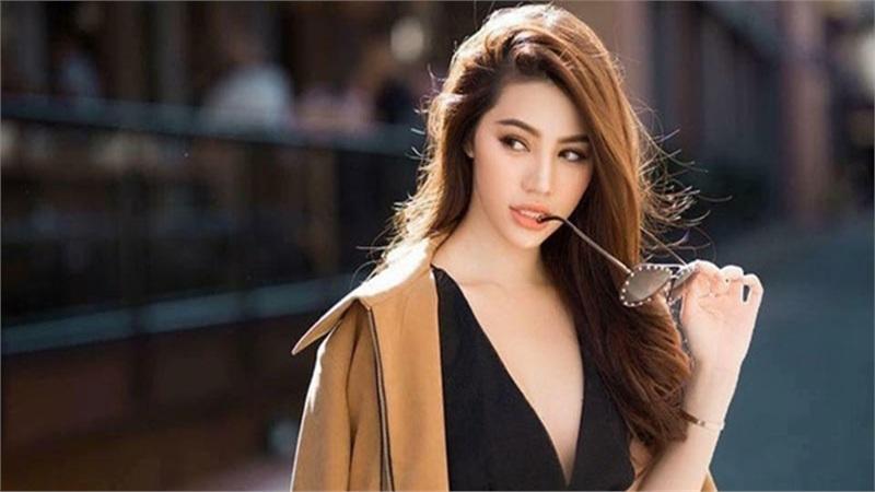 Sau những ồn ào đời tư, Jolie Nguyễn khoe nhẫn kim cương ở ngón áp út kèm lời tuyên bố 'Em đồng ý'