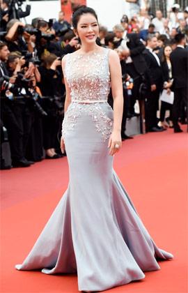 Lý Nhã Kỳ đẹp kiêu sa trên thảm đỏ LHP Cannes với cây đồ hơn 4.5 tỉ đồng