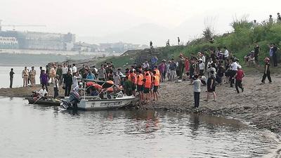 [NÓNG] 8 học sinh đuối nước tử vong khi tắm sông ở Hoà Bình