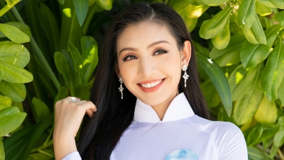 Dàn thí sinh Miss World Việt Nam khoe khéo body 'chuẩn từng centimet' trong tà áo dài