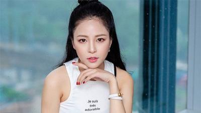 Vừa nhen nhóm quay trở lại sau scandal nghi lộ 'clip nóng', hotgirl Trâm Anh bị bạn thân tố quỵt tiền, ăn cháo đá bát?