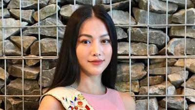'Chất chơi' như Hoa hậu Phương Khánh, được bưu điện Malaysia phát hành tem để tôn vinh