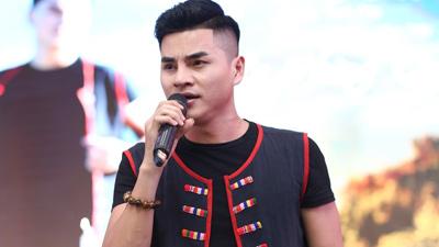 Sao mai La Hoàng Quý trình làng sản phẩm âm nhạc đầu tiên