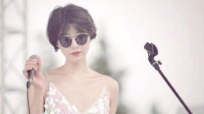 Cô gái một lần nữa sưởi ấm trái tim Lý Á Bằng: Bản sao hoàn hảo của Vương Phi