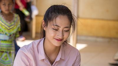 Hoa hậu Lương Thùy Linh chính thức khởi công làm đường cho người dân Lũng Lìu