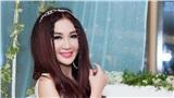 Hơn 50 tuổi, Ôn Bích Hà trẻ trung ngỡ ngàng khi diện đầm công chúa của NTK Tuyết Lê
