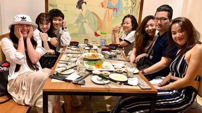 Hậu ồn ào vắng mặt trong sinh nhật mẹ chồng, Hari Won xuất hiện thân mật bên gia đình Trấn Thành, xóa tan tin đồn lục đục hôn nhân