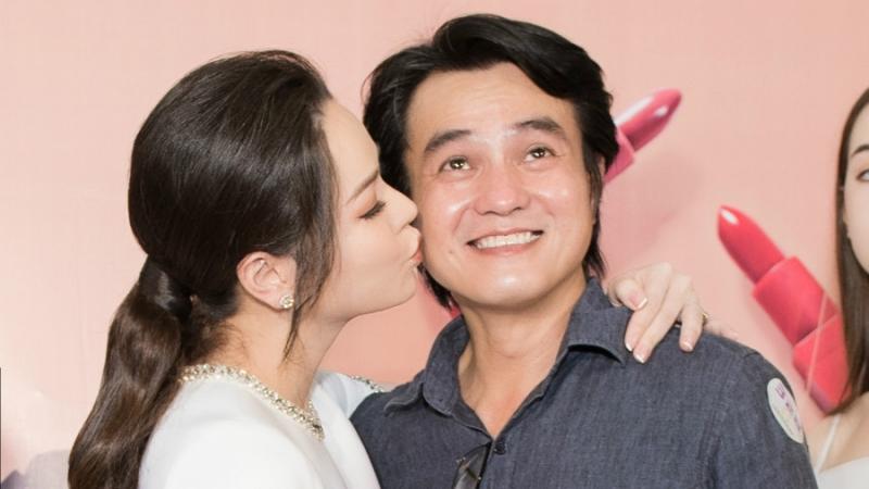 'Thị Bình' Nhật Kim Anh táo bạo hôn má 'cậu ba Khải Duy' tại sự kiện