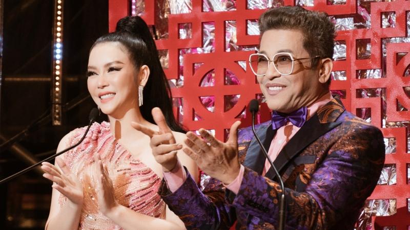 Lý Nhã Kỳ đầu tư 4 bộ đồ khi làm MC chương trình 'Xuân phát tài' cùng Thanh Bạch