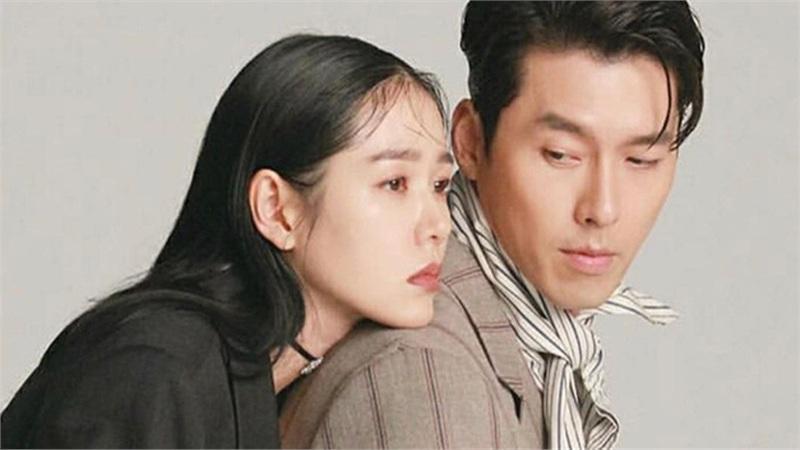 Người trong giới vừa khẳng định chuyện hẹn hò, dân tình lập tức chỉ ra điểm 'phân biệt đối xử' trong hành động của Son Ye Jin khi ngồi cạnh Hyun Bin