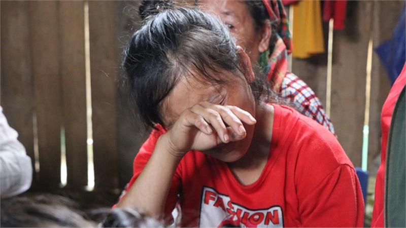 Nghẹn lòng đám tang 3 em nhỏ tử vong trong vụ sập cổng trường ở Lào Cai: 'Không ngờ bát mì tôm trứng lại là bữa ăn cuối cùng của con'