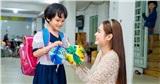 Hoa hậu Việt Nam Thế giới 2018 Di Khả Hân trao quà Trung thu cho trẻ em khó khăn