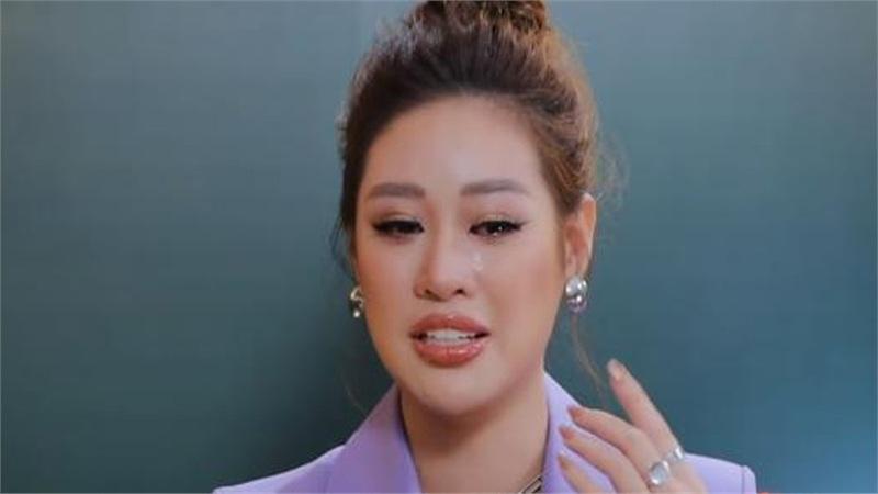 Giữa ồn ào chỉ trích giả tạo 'làm màu', Hoa hậu Khánh Vân rơi nước mắt giãi bày lý do phải che mặt các em bé bị xâm hại tình dục khi làm thiện nguyện