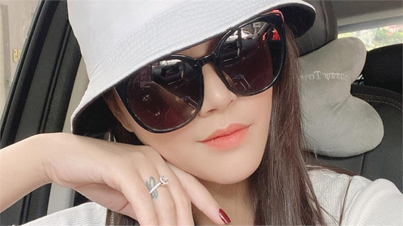 Sau khi công khai chân dung bạn trai, Thu Quỳnh để lộ dấu hiệu sắp kết hôn?
