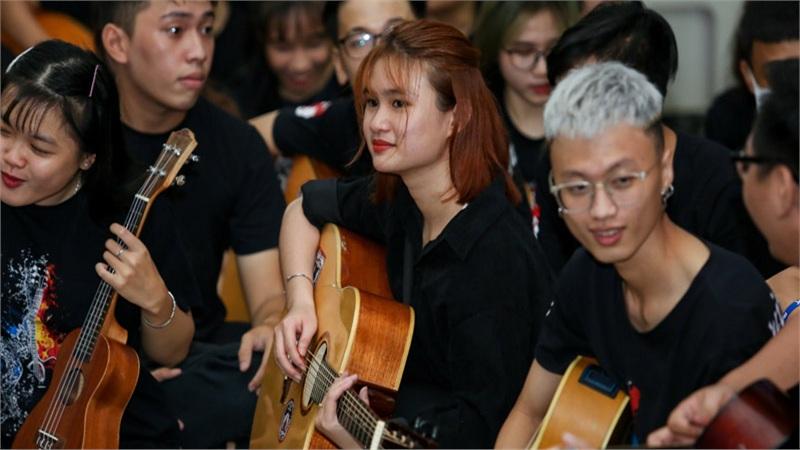 Những màn khởi đầu thanh xuân đại học ấn tượng của Tân sinh viên 'trường người ta'
