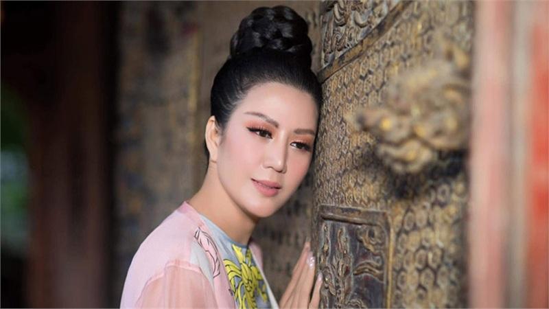 Đinh Hiền Anh tổ chức đêm nhạc quyên góp cho bà con vùng lũ miền Trung
