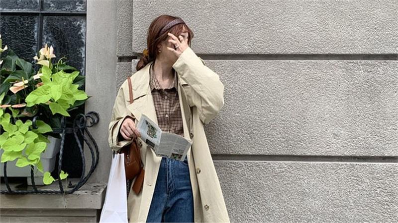 4 màu áo trench coat được những nàng sành điệu diện nhiều nhất mùa lạnh, mặc vu vơ cũng ra set đồ sang xịn ra trò