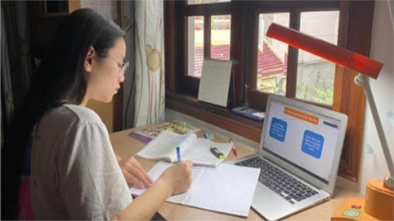 Hà Nội, học sinh lớp 12 làm quen khảo sát chất lượng trực tuyến