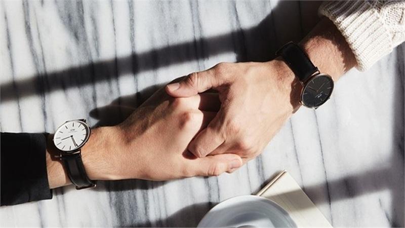 5 mẫu đồng hồ đôi đáng mua nhất giúp bạn trao gửi yêu thương