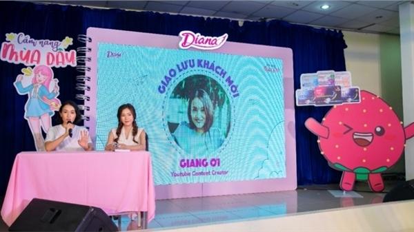 Diana cùng Giang Ơi thực hiện chuỗi sự kiện tâm tình tuổi dậy thì tại hàng chục trường trung học trên cả nước