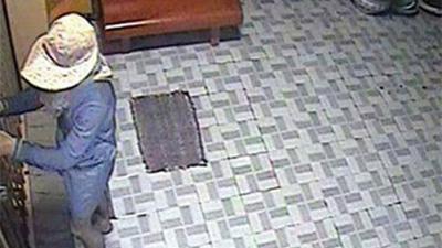 Hi hữu: Tên trộm vứt 'lại quả' cho nạn nhân 200 triệu đồng sau khi gây án